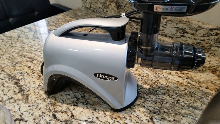 The Best Masticating Juicer / Slow Juicer for 2021 from Consumer Reviews