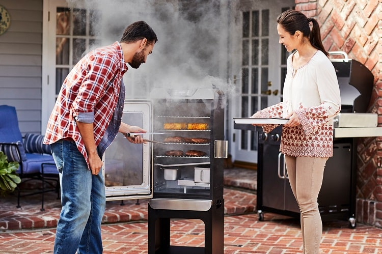 How to Use a Char-Broil Electric Smoker